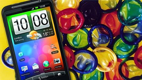 Smartphones und Kondome teilen oft denselben Namen (Bild: Durex, HTC)