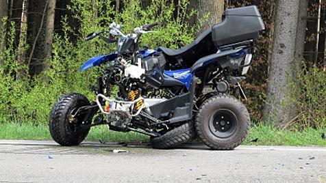 Quadfahrer und Sozius (7) bei Crash schwer verletzt (Bild: Braun, BRK BGL)