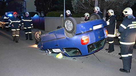 Drei Verletzte bei zwei Pkw-Unfällen in Niederösterreich (Bild: Einsatzdoku.at)