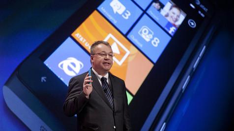 Nokia stellt sich bis Sommer auf rote Zahlen ein (Bild: AP)