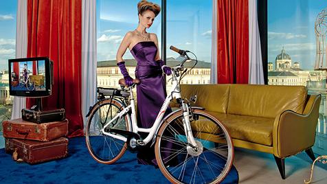 Zurückgeradelt: Silvia Hackl und Co. lieben das Puch-Rad (Bild: © Manfred Baumann/Faber GmbH)