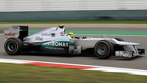 Nico Rosberg holt im 111. Rennen seinen ersten Sieg (Bild: EPA)