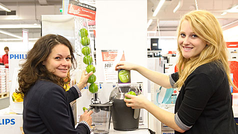 Media Markt will mit 'Woman's World' Frauen locken (Bild: Media Markt)