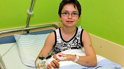 13-Jähriger trennte sich Hand ab - wieder angenäht (Bild: Andreas Kreuzhuber)