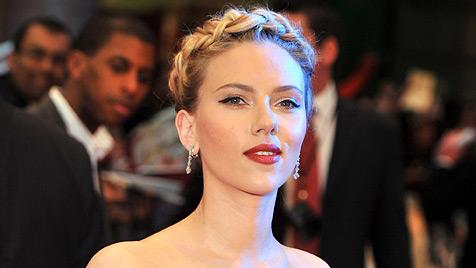 Scarlett Johansson stößt Angelina Jolie vom Gagen-Thron (Bild: EPA)