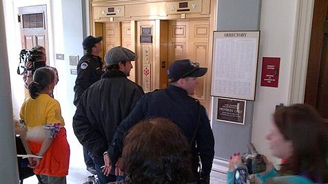 Auch Noah Wyle bei Demonstration verhaftet (Bild: AP)