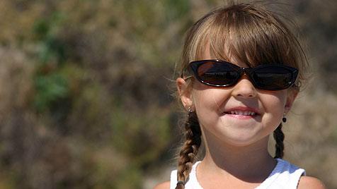 Kindersonnenbrillen im Test: Modelle mit Schwermetallen (Bild: thinkstockphotos.de)