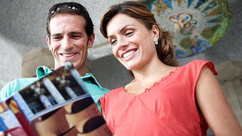 So findest du den für dich passenden Reiseführer (Bild: thinkstockphotos.de)