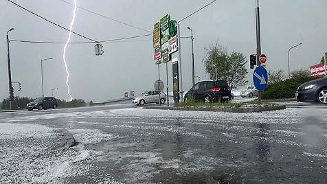 Rund 1,5 Millionen Euro Schaden durch Hagel in NÖ (Bild: APA/FMT-PICTURES/ANDREAS STIDL)