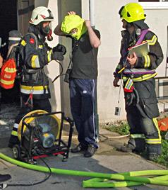 21 Bewohner bei Brand aus Badener Haus evakuiert (Bild: Pressestelle AFK Baden)