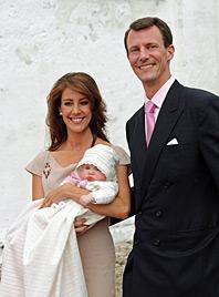 Dänen-Prinzessin auf den Namen Athena getauft (Bild: EPA)
