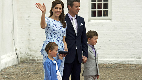 Dänen-Prinzessin auf den Namen Athena getauft (Bild: AP)