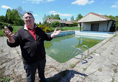 F: Verlassenes Dorf für 520.000 Euro versteigert (Bild: AFP)