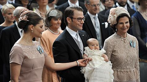 Prinzessin Estelle in Schlosskirche getauft (Bild: EPA)