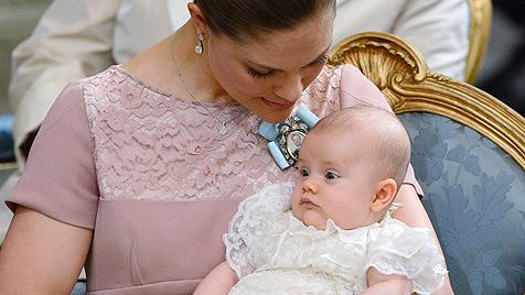 Prinzessin Estelle in Schlosskirche getauft (Bild: EPA, AP)