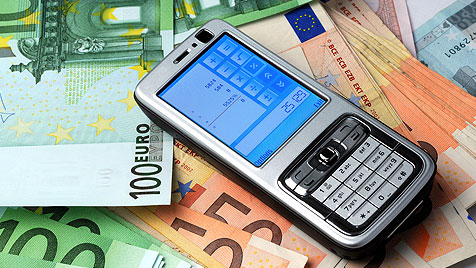 So entkommst du der Nebenkosten-Falle beim Handy (Bild: thinkstockphotos.de)