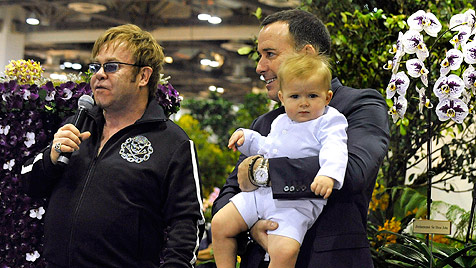 Elton John und sein David  wollen erneut Eltern werden (Bild: dapd)
