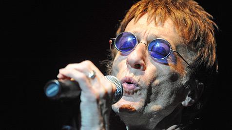 Bee-Gees-Sänger Robin Gibb wurde beerdigt (Bild: EPA)