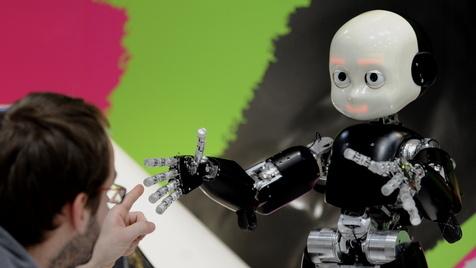 Roboter lernt Worte durch Sprechen mit Erwachsenen (Bild: David Hecker/dapd)
