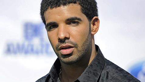 Blutiger Kampf um Rihanna: Brown verprügelt Drake (Bild: dapd)
