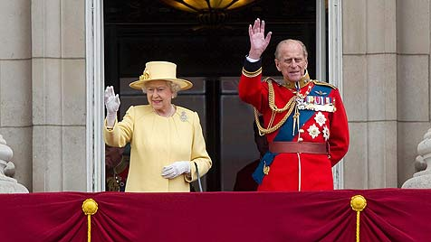 """Trooping the Colour"": Queen feierte Geburtstag (Bild: EPA)"