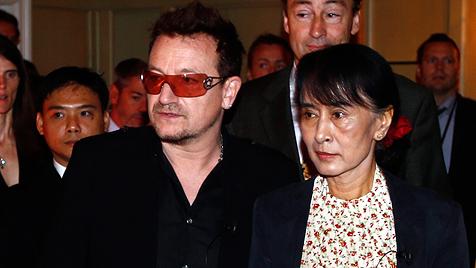 Bono nimmt Suu Kyi im Privatjet nach Dublin mit (Bild: dapd)