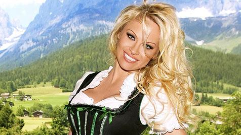 """Pamela Anderson: """"Ich bin fürs Dirndl geboren!"""" (Bild: Emma Photopraphic)"""