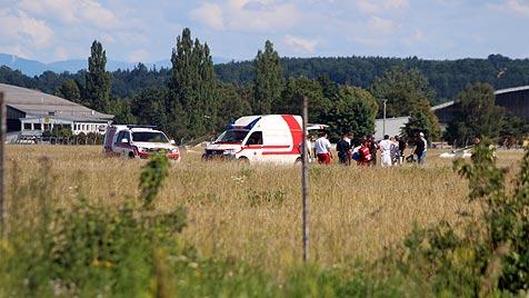 Fallschirmspringer in Wels abgestürzt - 2 Schwerverletzte (Bild: laumat.at)