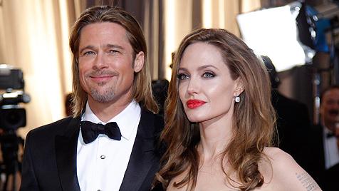 Pitt und Jolie wollen wie Charles und Camilla heiraten (Bild: dapd)
