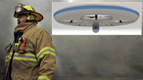 Drohne unterstützt Einsatzkräfte aus der Luft (Bild: AP, Olaeris, krone.at-Grafik)