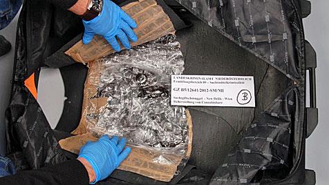15 Kilo Haschisch geschmuggelt: Drei Festnahmen (Bild: LKA NÖ)