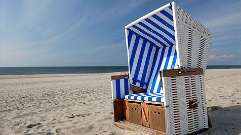 Ein Urlaub im Strandkorb und eine kleine Nordseebrise (Bild: thinkstockphotos.de)