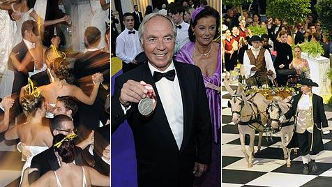 Promi-Auflauf am Sommerball im Zeichen Olympias (Bild: APA/HERBERT P. OCZERET)