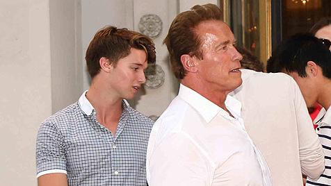 Schwarzenegger-Sohn in Shorts beim Bundeskanzler (Bild: Starpix/Alexander Tuma)