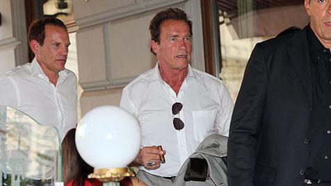 """Schwarzenegger mit Sohn Patrick in Wien """"ertappt"""" (Bild: Starpix/Alexander Tuma)"""