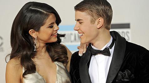 Gomez und Bieber schon länger nicht mehr fix liiert? (Bild: AP)