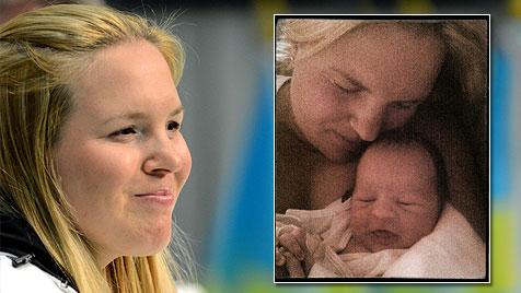 Ski-Star Anja Pärson wurde Mama eines kleinen Buben (Bild: APA/ROLAND SCHLAGER, twitter.com)