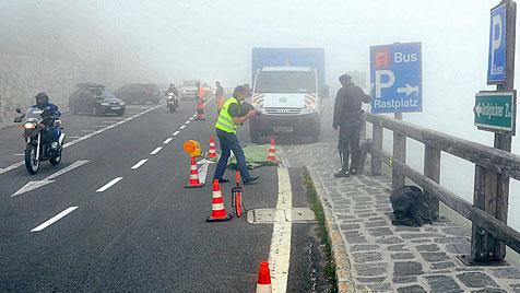 Zuschauerin stirbt bei Nostalgie-Motorradrennen (Bild: APA/BENNO MOSER/AKTIVNEWS)