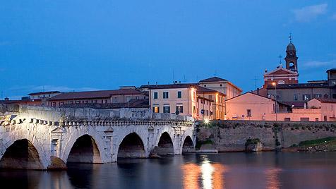 Italiens Emilia-Romagna: Eine Küste sieht rosa (Bild: thinkstockphotos.de)
