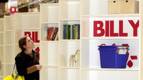 E-Book-Vormarsch: Möbelhersteller denken um (Bild: Alexander Heimann/dapd)