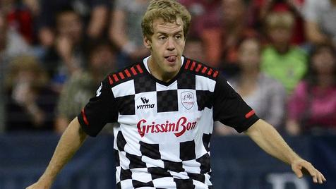 Vettel und Schumi: Fußballsieg für einen guten Zweck (Bild: Ronald Wittek/dapd)