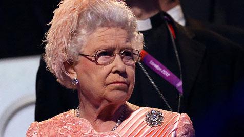"""Lob für """"Bond-Girl"""" Queen Elizabeth II. nach Olympia-Show (Bild: EPA)"""