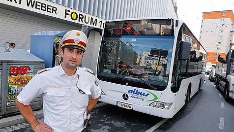 Salzburg: Mann kapert Linienbus und spielt Chauffeur (Bild: Markus Tschepp)
