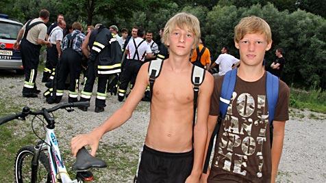 OÖ: Zwei 13-Jährige retten Mann nach Sturz in die Traun (Bild: Matthias Lauber)