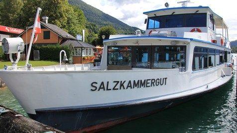 Ausflugsschiff kracht in Steg am Wolfgangsee (Bild: Marion Hörmandinger)