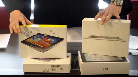 Gespräch zwischen Apple und Samsung erneut erfolglos (Bild: Sascha Schuermann/dapd)