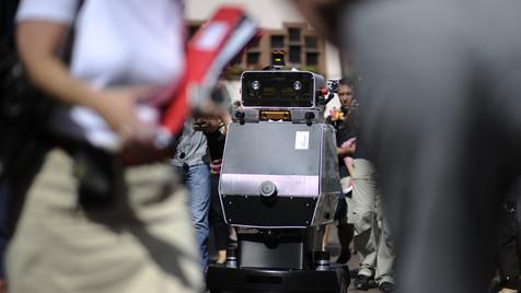"""Roboter """"Obelix"""" erkundet Städte auf eigene Faust (Bild: Daniel Kopatsch/dapd)"""