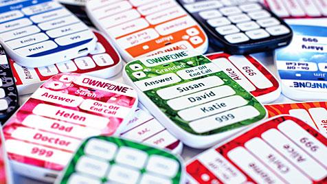 Neues buntes Einfach-Handy zum Selbstgestalten (Bild: CyCell)