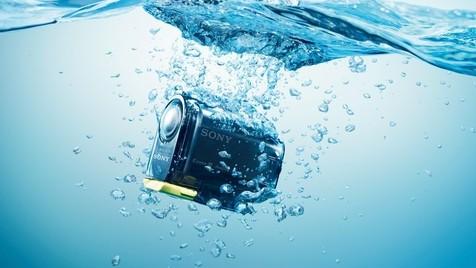 Erste Action-Cam und neue NEX-5R mit WLAN von Sony (Bild: Sony)
