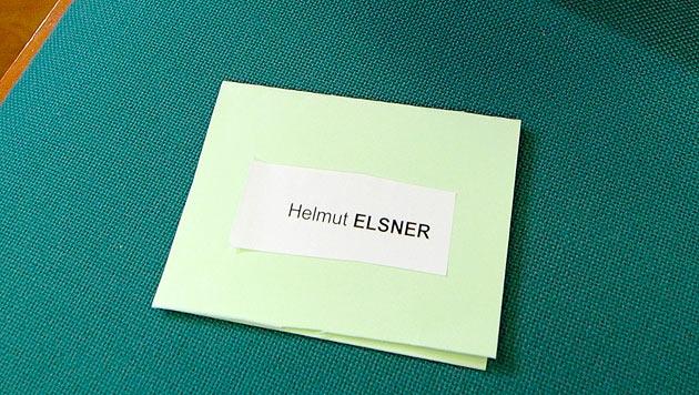 Der Justiz reicht es: Elsners Reisepass wird eingezogen (Bild: APA/HELMUT FOHRINGER)